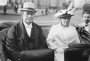 William Jennings Bryan and his wife, shortly after his resignation as Secretary of State.